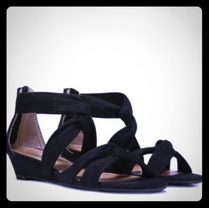 "Report ""Jenny"" Wedges"